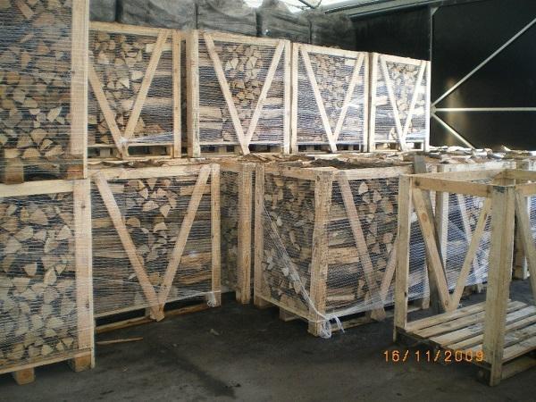 Drewno opałowe spakowane